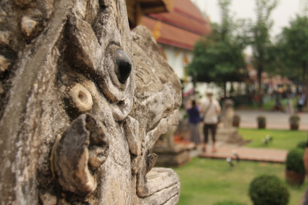 Statue at Wat Chedi Luang