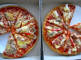 Worst pizza in the world, Roxas, Palawan, Philippines