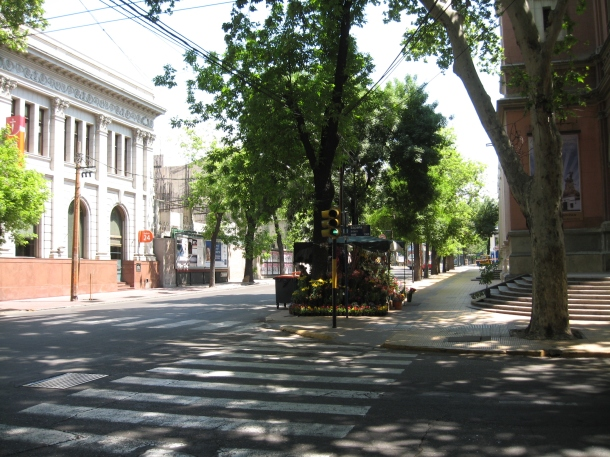 A typical street in Mendoza